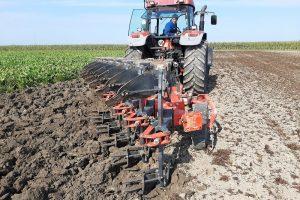 Bugnot: Ondiep ploegen 'Franse stijl' in zware grond